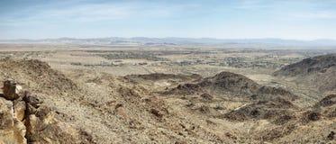 Mojaveöknen från 49 gömma i handflatan oasslingan Royaltyfri Fotografi