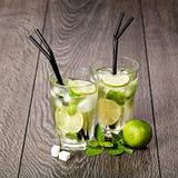 Mojito ποτών θερινών κρύο κοκτέιλ Στοκ Εικόνες