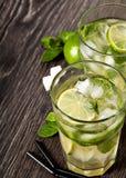 Mojito питья коктеиля лета холодное Стоковая Фотография