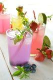 Mojito-Cocktail einiger tropischer Aromen lizenzfreies stockfoto
