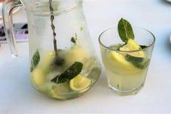Mojito is een klassieke drank royalty-vrije stock fotografie