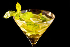 Mojito en un Cocktailglass Imagen de archivo libre de regalías