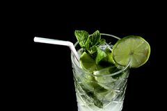 Mojito sur le noir II photo stock