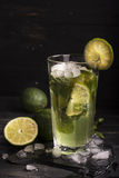 Mojitococktail in een lang glas Royalty-vrije Stock Afbeelding