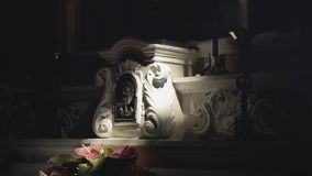 Mojo do raio claro do altar da igreja da Aurora video estoque