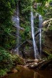 Mok Fa vattenfall Fotografering för Bildbyråer
