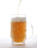 Mok met bier Stock Afbeelding