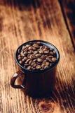 Mokhoogtepunt van geroosterde koffiebonen stock fotografie