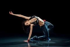 Mokra dancingowa kobieta. Obrazy Stock