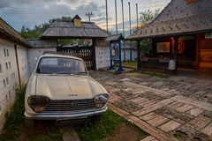 Mokra Gora, Сербия - 2-ое июня 2017: Деревня Drvengrad в западном Стоковое Изображение RF