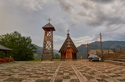 Mokra Gora, Sérvia - 2 de junho de 2017: Vila de Drvengrad em ocidental Fotografia de Stock