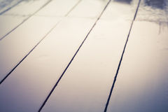 Mokre drewniane podłoga obrazy stock