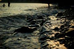 Mokre morze skały, myć fala Obrazy Stock