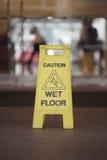 mokry podłogowy znak Zdjęcia Stock