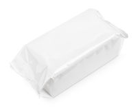 Mokry wytarcie pakunek odizolowywający na bielu Fotografia Royalty Free