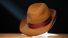 Molécula de madera de la tabla del sombrero del vintage dinámica almacen de video