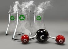 Molécula do CO2 com a chaminé no fundo cinzento Foto de Stock