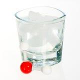 Molécula y vidrio de agua de la química Fotografía de archivo libre de regalías