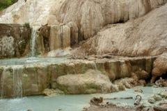 Mola da água térmica de Bagni san Filippo imagens de stock