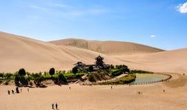 Mola do crescente de China Dunhuang fotografia de stock