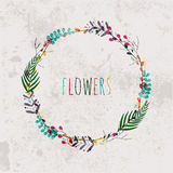 A mola floresce, as folhas, dente-de-leão, grama em um fundo do vintage Imagens de Stock Royalty Free