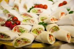 Mola fresca Rolls com carne e vegetarianos de peixes Imagem de Stock Royalty Free