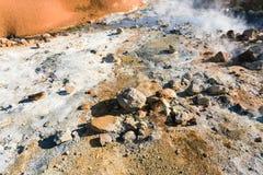 molas térmicas ácidas na área de Krysuvik, Islândia Imagens de Stock Royalty Free