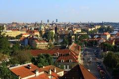 Moldau en Bruggen, Panorama van de Oude Stad, Praag, Tsjechische Republiek Stock Fotografie