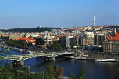 Moldau och broar, panorama av den gamla staden, Prague, Tjeckien Royaltyfri Foto