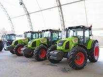 18 03 2017, Moldavië, Chisinev: Nieuwe tractoren bij een landbouwers` s exhibi Royalty-vrije Stock Fotografie