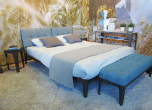 10 10 2015, MOLDAVIË, Onroerende goederententoonstelling, modieuze slaapkamer int. Royalty-vrije Stock Fotografie
