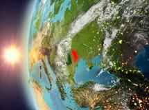 Moldavië tijdens zonsondergang van ruimte Royalty-vrije Stock Foto's