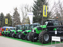 18 03 2017 Moldavien, Chisinev: Nya traktorer på en exhibi för bonde` s Fotografering för Bildbyråer