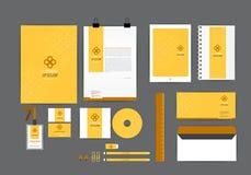 Molde amarelo e marrom da identidade corporativa para seu negócio Fotos de Stock Royalty Free