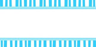 Molde bonito do bebê com espaço da cópia na listra azul e branca Imagem de Stock Royalty Free