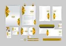 Molde da identidade corporativa de Brown e de ouro para seu negócio Fotos de Stock