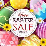 Molde do fundo da bandeira da venda da Páscoa com as flores e os ovos coloridos bonitos Imagem de Stock Royalty Free