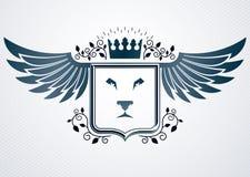 Molde do projeto da heráldica do vintage, emblema do vetor Fotos de Stock