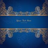 Molde elegante do cartão do vetor do ouro na obscuridade - fundo azul Fotografia de Stock Royalty Free