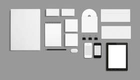 Molde incorporado da identificação dos artigos de papelaria vazios isolado no cinza Imagens de Stock Royalty Free