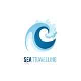 Molde trevelling do logotipo do mar com onda Imagens de Stock Royalty Free