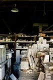 Moldes industriais refratários - refratários novos abandonados do castelo, castelo novo, Pensilvânia Fotos de Stock