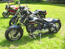 21 05 2016, Moldova, Chisinev Obyczajowy czarny siekacza motocyklu b Obraz Royalty Free