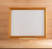 Moldura para retrato na madeira imagens de stock royalty free