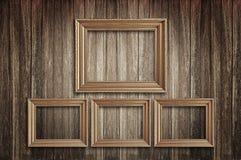 Molduras para retrato na parede velha Imagens de Stock Royalty Free