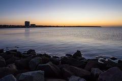 Mole auf der Ostseeküste in Warnemuende Stockfotos