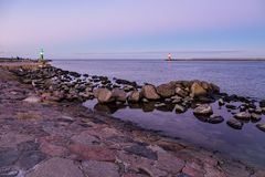 Mole auf der Ostseeküste in Warnemuende Lizenzfreies Stockbild