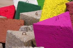 Mole gebildet von den sehr großen verschiedenen Farbensteinen Lizenzfreie Stockfotografie