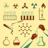 Moleculaire elementen en van reageerbuis zwarte pictogrammen inzameling op wit Stock Fotografie