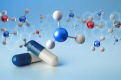 Molekül der Wiedergabe 3d auf angezeigt auf einer medizinischen Schnittstelle Stockbilder